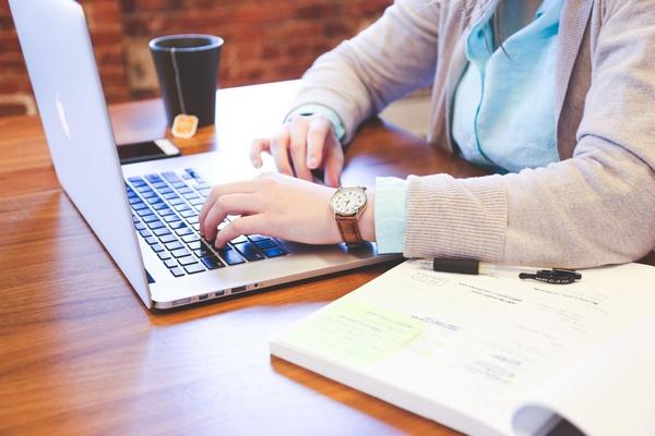 Ako čo najrýchlejšie napísať záverečnú prácu? Poradíme vám, ako
