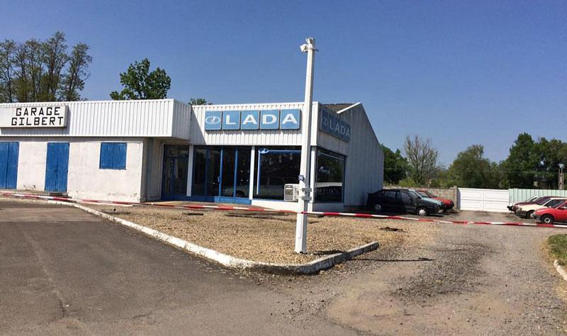 """Vo Francúzsku objavili opustený showroom značky Lada. Pozrite sa, aké """"veterány"""" sa našli"""