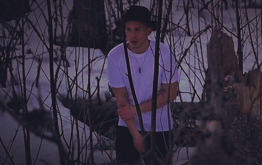 Marks vo svojej novej skladbe spieva o stroskotanej láske medzi ľuďmi