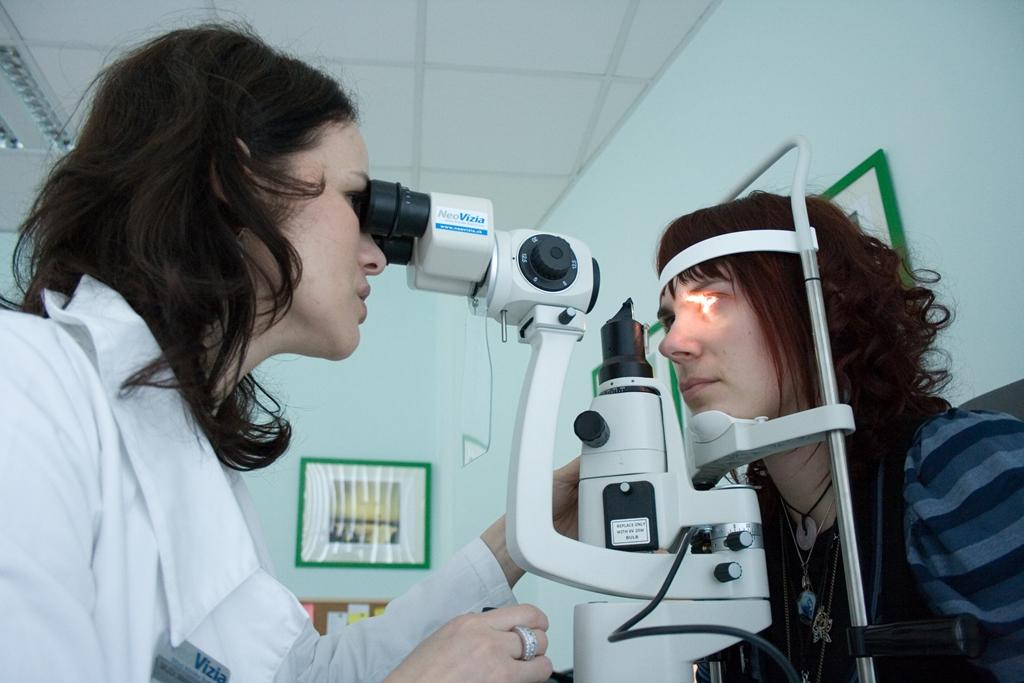 Toto sú skutočné príbehy ľudí, ktorí potrebujú nový zrak. Prečo túžia po operácii očí?