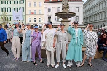 Fashion Marš! rozžiaril ulice Bratislavy počas najdlhšej módnej prehliadky
