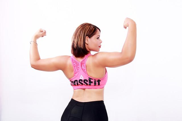 Jednoduché cviky, vďaka ktorým tuk na chrbte a bokoch zmizne