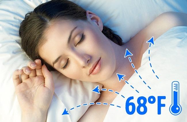 Toto je 10 dôvodov, prečo by ľudia mali spať nahí. Dnes si už možno oblečení do postele neľahnete