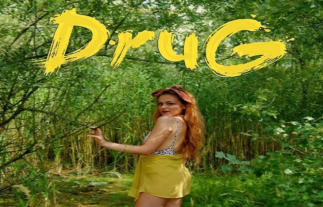 Zaujala vlastnou verziou Despacito, jej debut sa uchytil a počuť ho z rádií. Slovenka Nikol Kassell nezaháľa a vydala nový song Drug, na ktorom budeš závislý