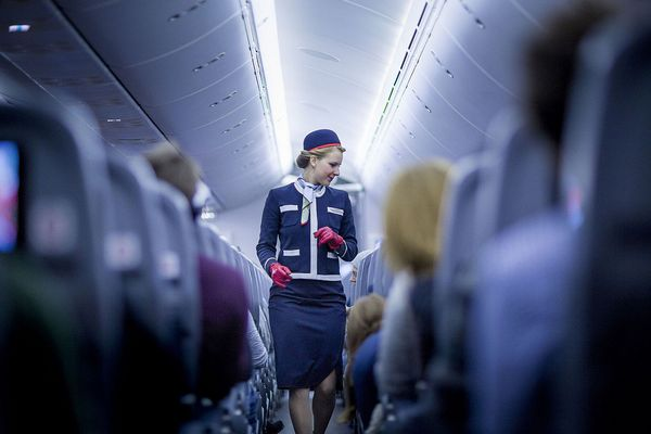 Vedeli ste, že letušky používajú tajný kód v prípade, že sa v lietadle nachádza mŕtvy človek? Zistíte, aký