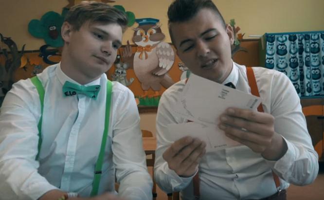 Mladí Slováci sparodovali hit Hej, Sokoly! Túto verziu si budú pospevovať predovšetkým študenti