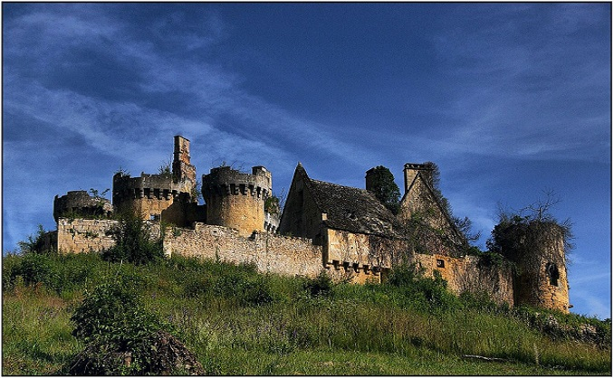 Chceš vlastniť starobylú francúzsku pevnosť? Postačí ti na to ani nie 50 eur a pomôžeš aj skvelej myšlienke