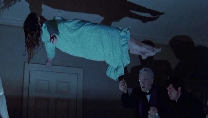 Kňaz dovolil režisérovi, aby natočil skutočné vyháňanie diabla: Vydesený muž opísal tento zážitok