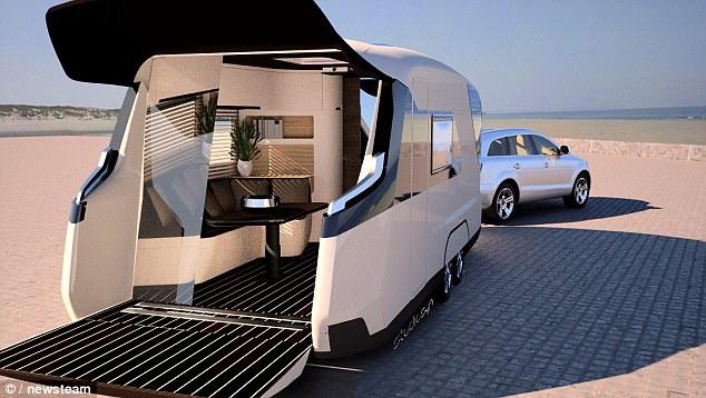 Tak toto je ozajstný luxus! Karavan v hodnote 500 tisíc libier má vlastné kino a mnoho ďalšieho