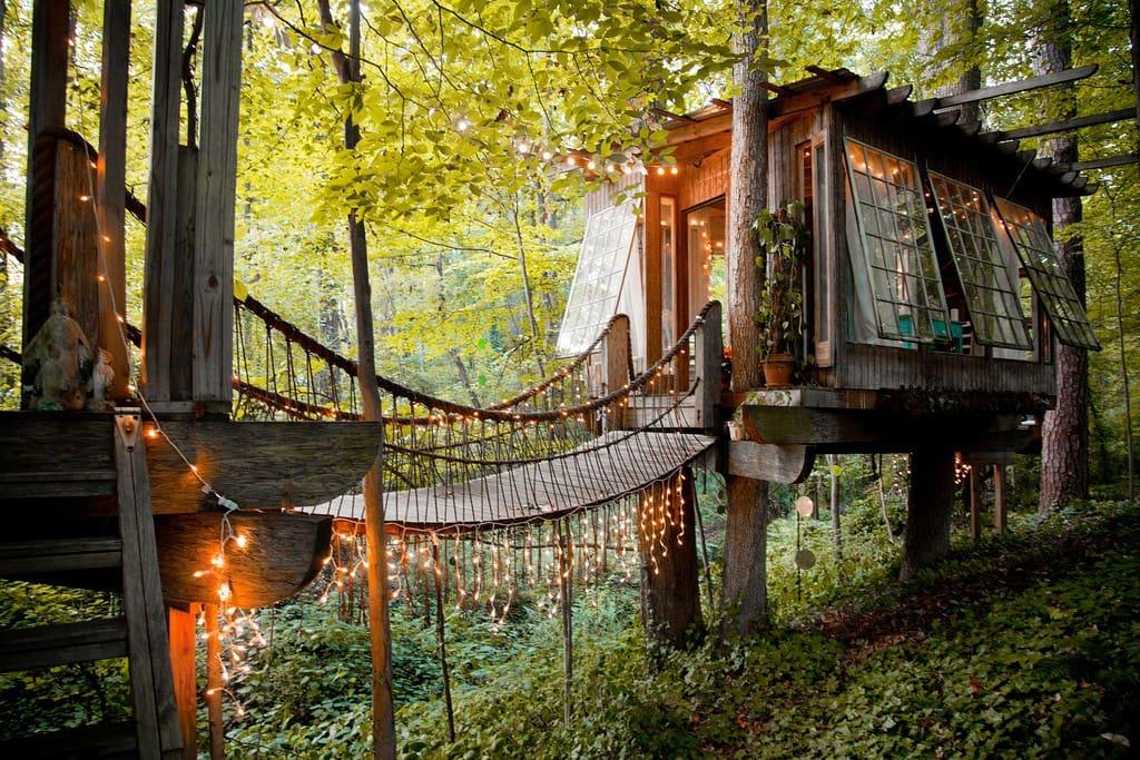 Miluješ samotu a krásu prírody? Ak áno, takto vyzerá dom určený práve pre teba