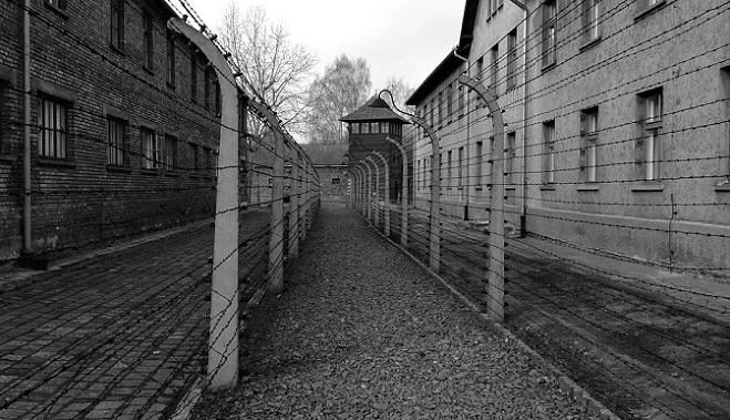 Po dlhých rokoch sa podarilo rozlúštiť list, ktorý napísal židovský väzeň v Osvienčime! Takéto zverstvá sa tam diali