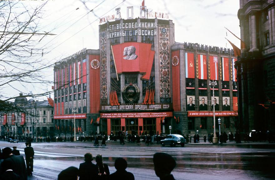 Muž bol deportovaný zo ZSSR kvôli špionáži. Teraz vyšli napovrch fotografie, ktoré za tých čias vyhotovil