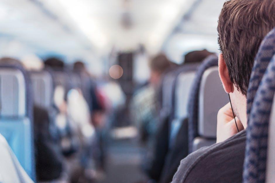Cestovanie vlakom domov na sviatky nemusí byť až taká nuda a otrava! Toto všetko môžeš vo vlaku stihnúť
