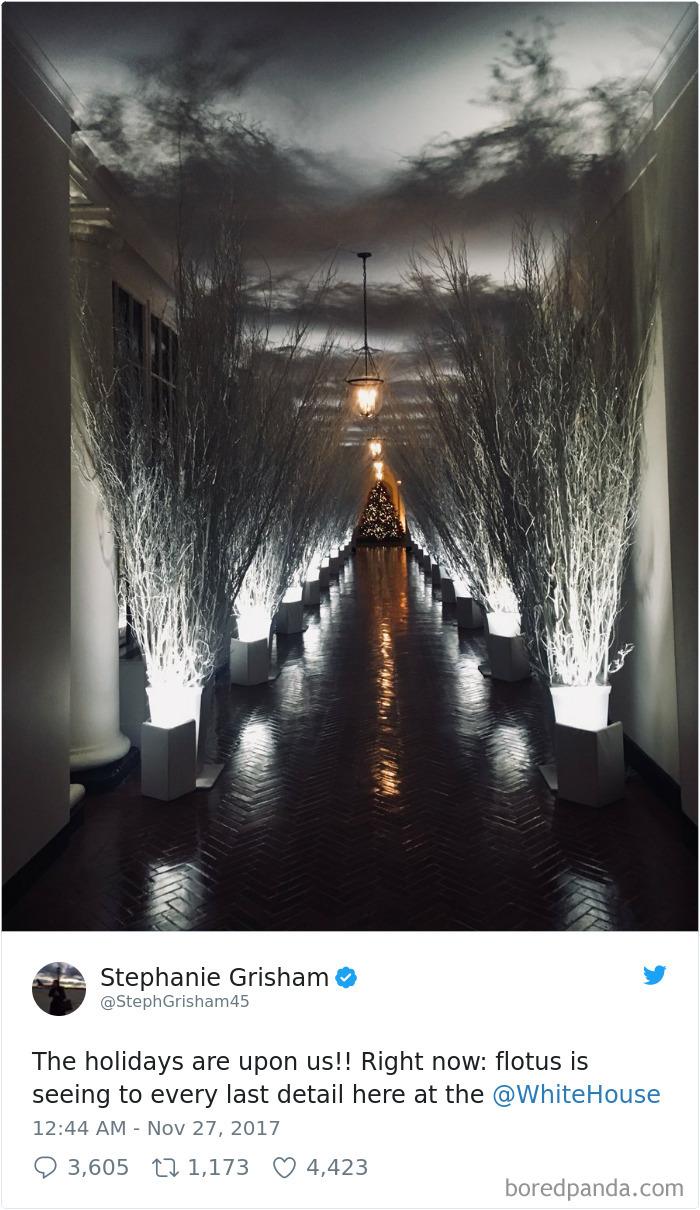 Prvá dáma Ameriky Melania Trump vyzdobila Biely dom naozaj čudne. Ľudia si teraz z desivo pôsobiacej dekorácie robia srandu
