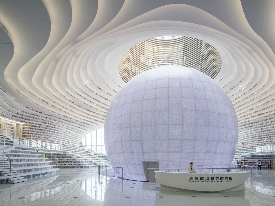 V Číne otvorili knižnicu s viac ako milión knihami. Architektonický skvost láka nejedného milovníka umenia