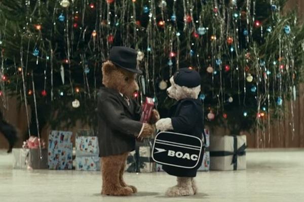 Londýnske letisko sa postaralo o jednu z najkrajších vianočných reklám na svete. Príbeh o medveďoch sa oplatí pozrieť