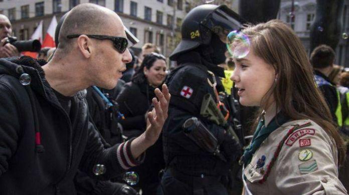 Ženy, ktoré si zaslúžia rešpekt: 15 fotografií, na ktorých vidieť obrovskú odvahu a silu nežnejšieho pohlavia