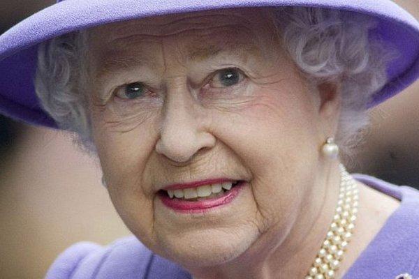 Šokujúca správa z Buckinghamského paláca. Táto strašná choroba údajne trápi kráľovnú Alžbetu II.