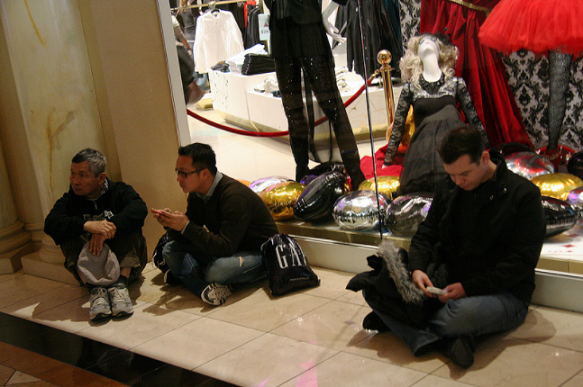 muzi-v-obchode