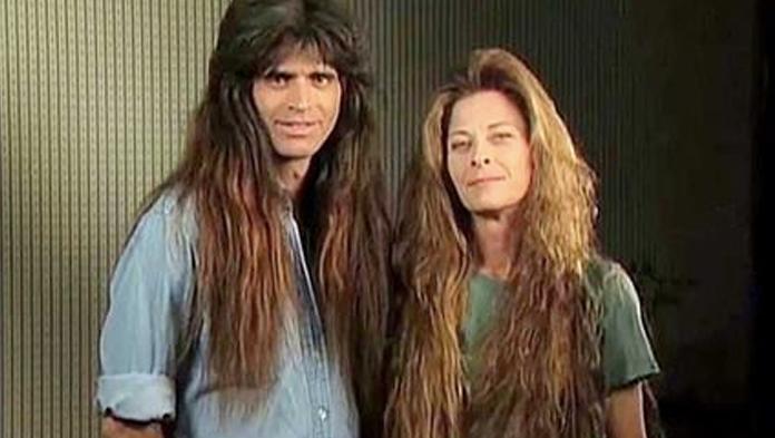 Manželský pár rockerov si viac než 30 rokov nestrihal vlasy. Neskôr prešli premenou, ktorá vyráža dych
