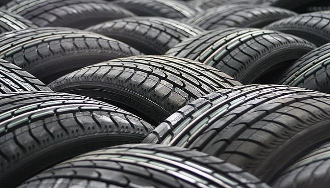 Vodiči zbystrite: Takéto nekalé triky využívajú výrobcovia pneumatík a doplácajú na to šoféri
