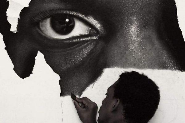 Nigérijský umelec kreslí neskutočne realistické portréty. Z jeho talentu budete ohromení