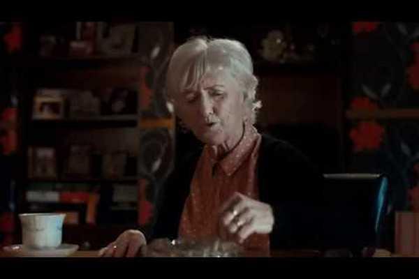 Íri sa postarali o skvelú reklamu proti fajčeniu. Jej posolstvo však len tak ľahko z hlavy nedostanete!