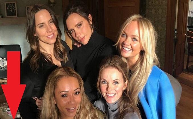 Spice Girls zverejnili spoločnú fotku. Fanúšikovia si ihneď všimli drogy, na ktoré baby zabudli