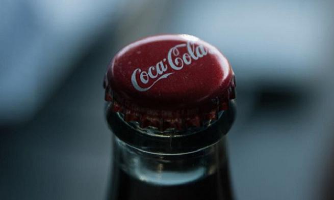 Coca-Cola šokuje! Začína vyrábať alkoholický nápoj. Kde ho budeš môcť ochutnať?