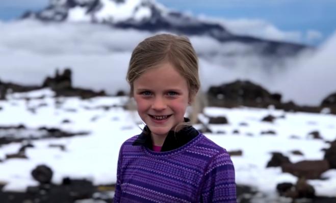 Len 7-ročné dievčatko zdolalo Kilimandžáro. Malá slečna chcela byť bližšie k svojmu nebohému tatinovi