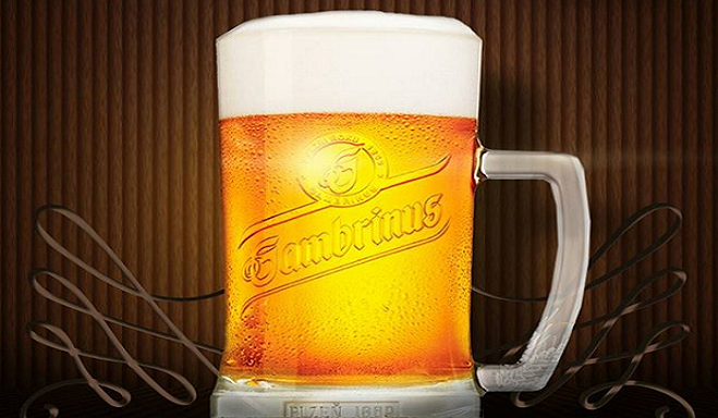 Odlož mobil a pivo máš za polovicu! Pivovar odštartoval kampaň, v ktorej chce vrátiť medzi ľudí osobný kontakt