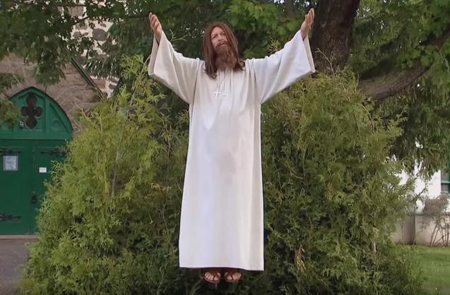 Toto si ešte nevidel! Ježiš Kristus vyprankoval ľudí v uliciach, tí nechápali, čo sa deje