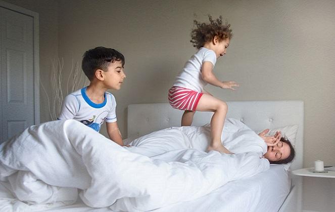Materská dovolenka má od dovolenky poriadne ďaleko. Takto vyzerá každodenná rutina mamičiek