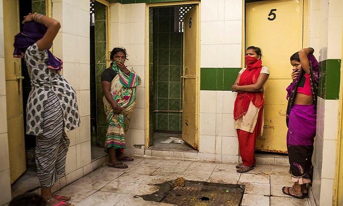 Fotografka sa rozhodla zachytiť globálne tabu: Takto vyzerá život bez záchodov