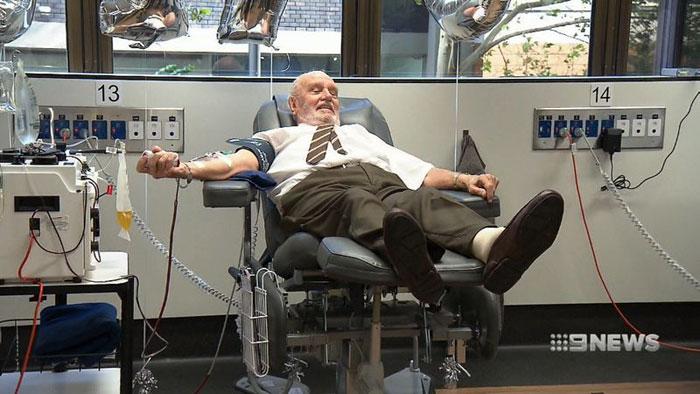 Tento muž je skutočný hrdina. Svojou krvou zachránil viac než 2 milióny ľudí
