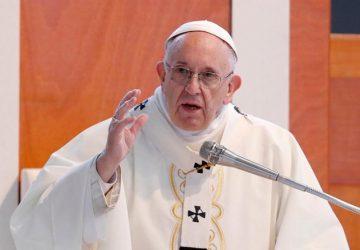 Pápež František otvorene vyzýva k tolerancii homosexuálov. Toto povedal v súkromnom rozhovore s gayom