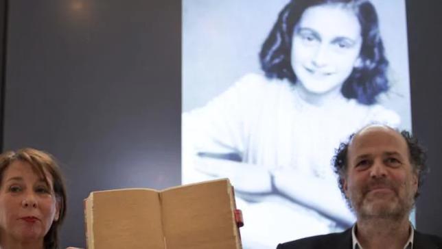 Vedcom sa podarilo rozlúštiť skryté stránky z denníka Anny Frankovej. Čo sa v nich píše?