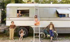 Dokonalá sloboda? Fotografka nahliadla do života cirkusantskej rodiny žijúcej v karavane