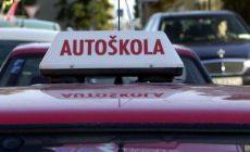 Mladík z Trnavy pri jazde v autoškole nafúkal viac než 1 a pol promile. S vodičákom sa môže rozlúčiť a hrozí mu aj väzenie