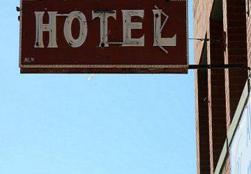 Hotel v Banskej Štiavnici poriadne pohoršil ľudí. TAKTO vulgárne a nemiestne komunikuje s verejnosťou