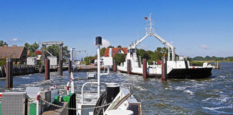 OBROVSKÉ NEŠŤASTIE: Potopil sa trajekt – takmer 130 ľudí je nezvestných!