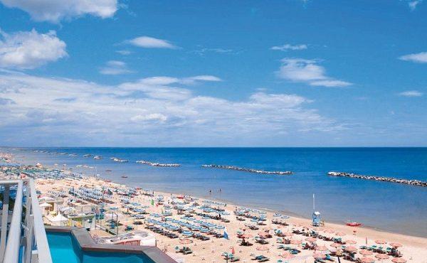 SKVELÁ SPRÁVA! V Taliansku sa otvorí pláž pre mladých, kde môžeš hýriť all day, all night bez obmedzení!