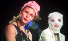 Rusko musí zaplatiť odškodné členkám punkovej kapely PUSSY RIOT! Uprelo im právo na spravodlivý proces