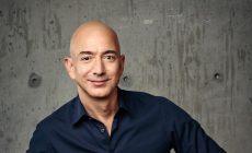 Viete, kto je najbohatším človekom? Hodnota jeho majetku prekročila 150 miliárd dolárov!