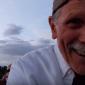 VIDEO: Starček mal natočiť žiadosť o ruku. To, čo sa mu podarilo nafilmovať baví ľudí po celom svete