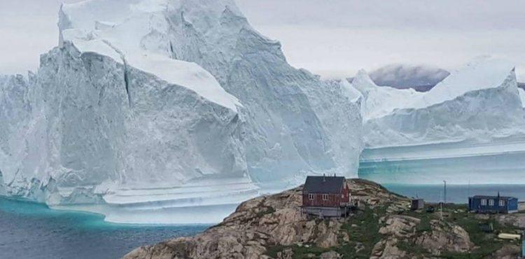 Grónsku dedinu ohrozuje ľadovec. Môže sa rozpadať a zapríčiniť záplavové vlny!