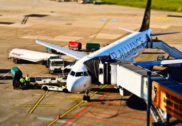 Nehoda na letisku v Bratislave! Pri pristávaní sa lietadlu nevysunul podvozok