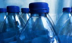 Rozmýšľali ste nad tým, prečo má aj voda vo fľašiach dátum spotreby? Toto je dôvod, prečo je to tak