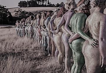 FOTO: Akty, aké si ešte nevidel! Talentovaná fotografka zachytila nahé ženské telá v jedinečnej podobe!