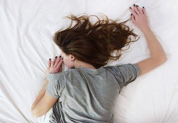 Horúčavy môžu negatívne ovplyvniť i náš spánok a spôsobiť nočné mory. Takto tomu môžete predísť